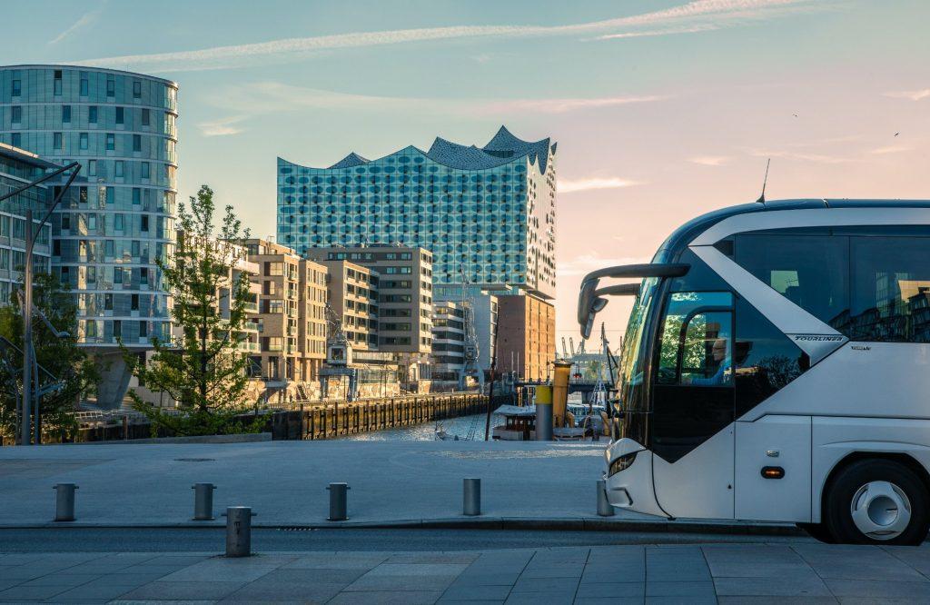 AGT Busvermietung und Touristik Bus- und Eventlogistik Hamburg Elbphilharmonie Tagestour Bus