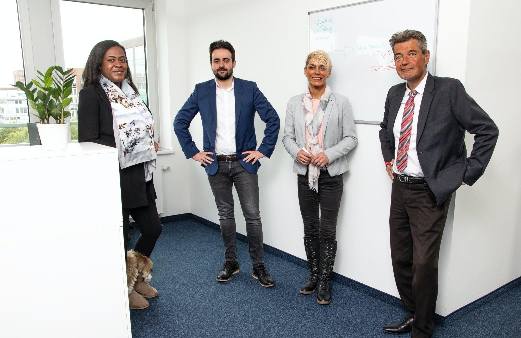 agt_busvermietung_und_touristik_bus-_und_eventlogistik_mitarbeiter_business_office_buero_team_arbeiterleben_rente